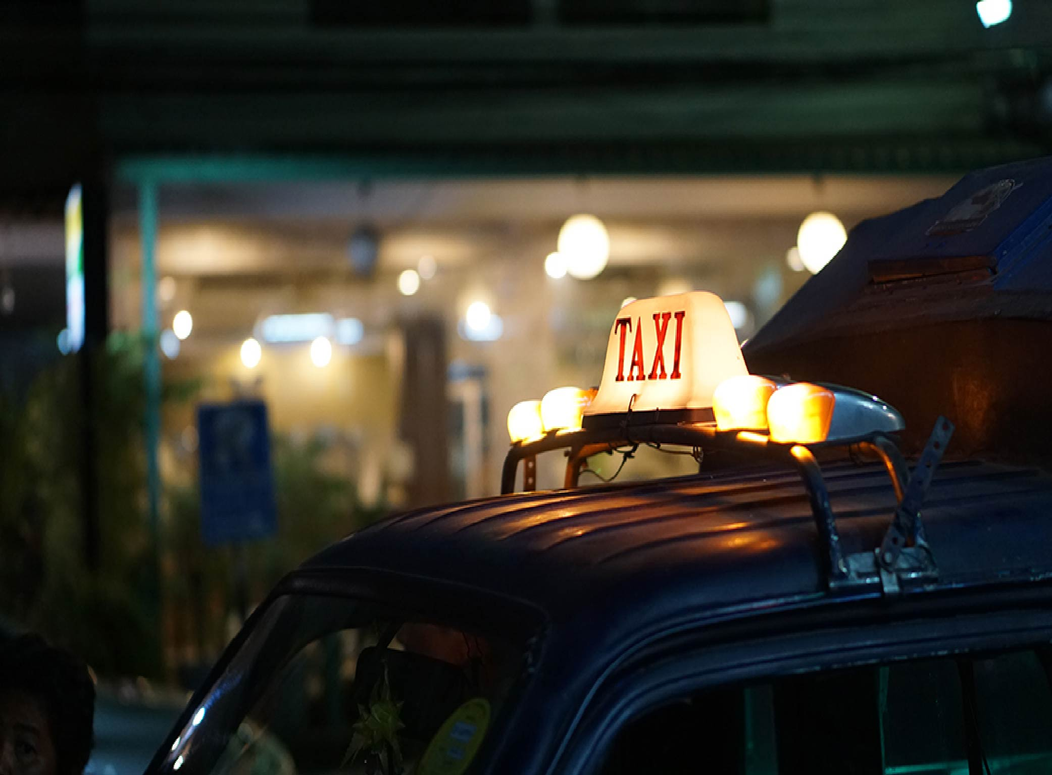 Looking for an Arab taxi in an Arab city, or generally in the Arab world? Check this article on ordering a taxi in an Arabic speaking country