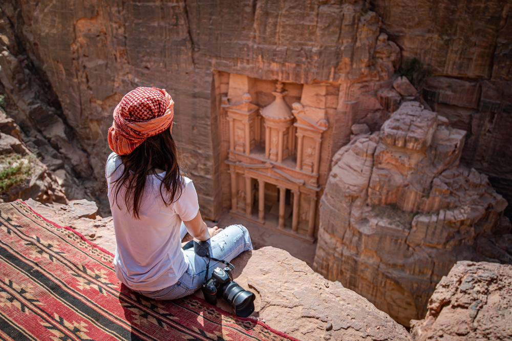Hidden by time and shifting sand, Petra tells of a lost civilization. Find out in this article how you can visit this city and see what secrets it shows you