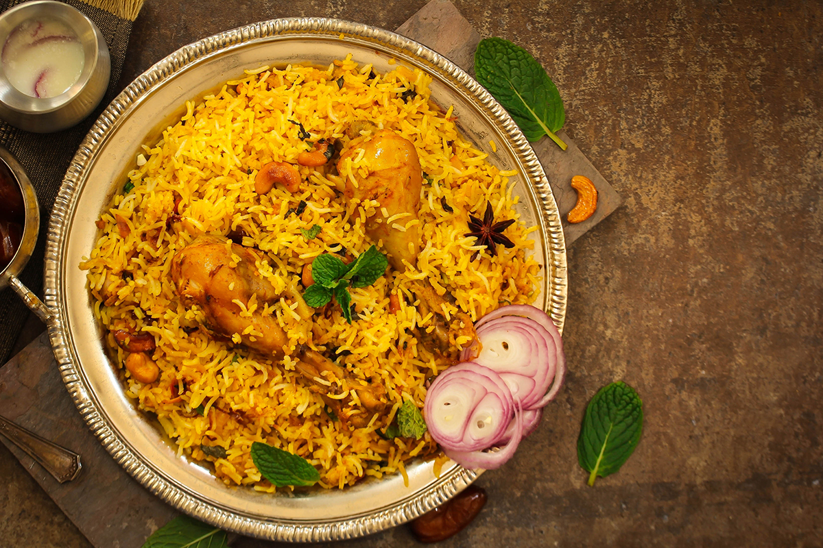 Can't go outside to eat now because of Covid 19? Then stay inside and feed your head with this article on Saudi Arabian foods
