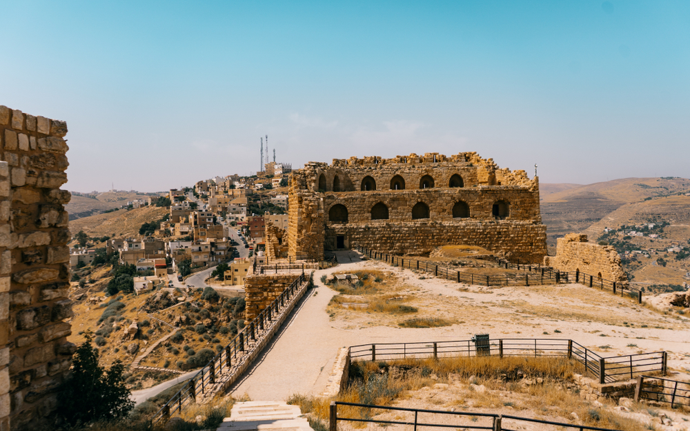 What was once a might Crusader fortress are now crumbling ruins that remind us of times long ago. See here why you should visit Jordan's Karak Castle