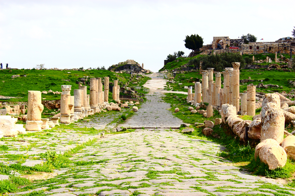 Situated on a bluff overlooking Syria and the Sea of Galilee, Umm Qais is the perfect balance of natural beauty and history. Find out here how to visit