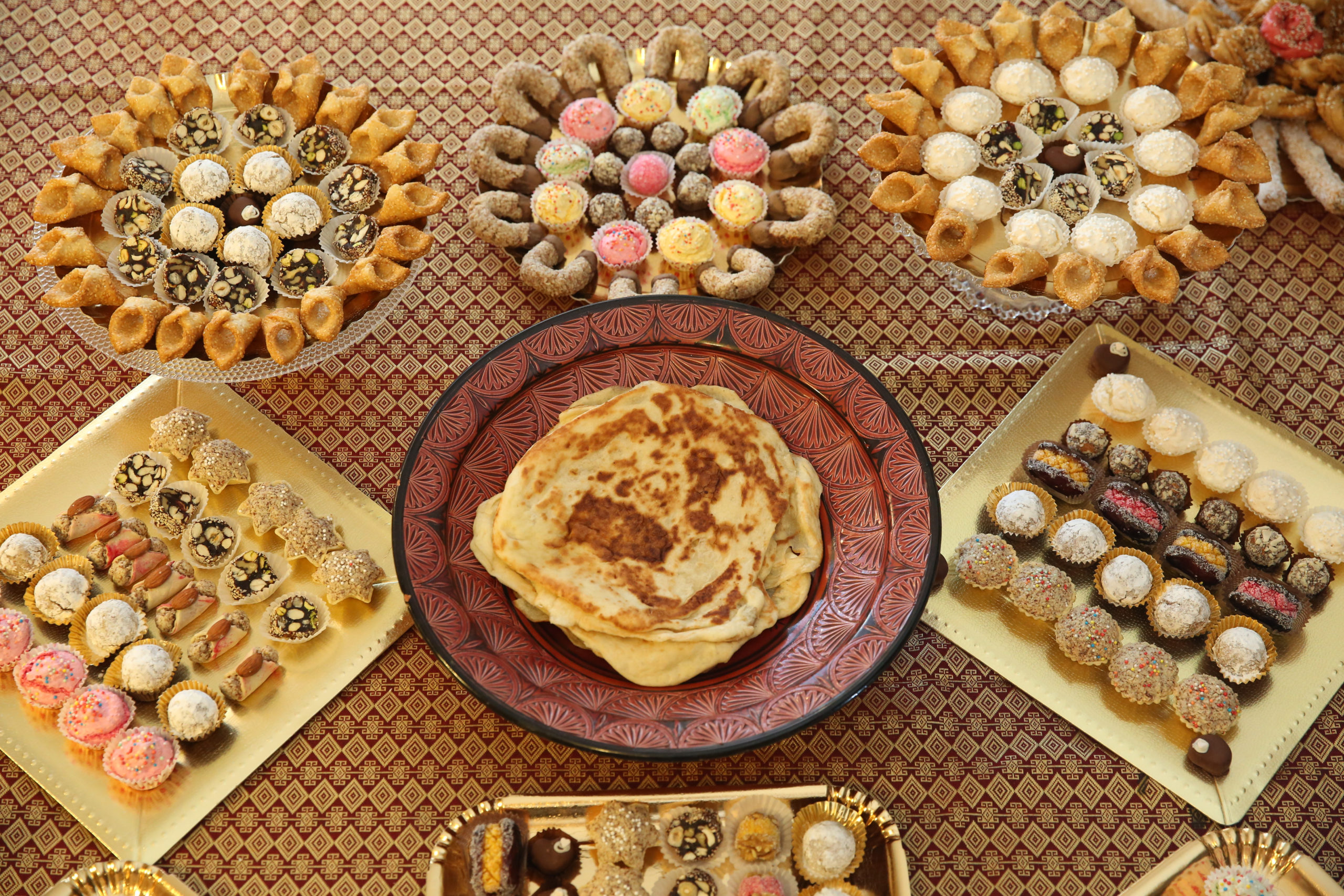 You've filled your stomach with Moroccan main courses like spicy couscous and savory tagine. Now fill your sweet tooth with these Moroccan desserts!